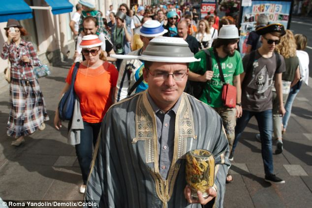 Znalezione obrazy dla zapytania pastafarian manifestation